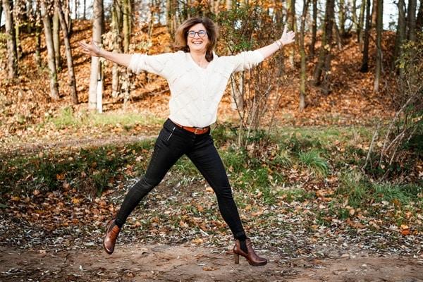 Katja von Eysmondt , Autorin, Coach, Unternehmerin - Fröhlich im Wald zum Energie tanken